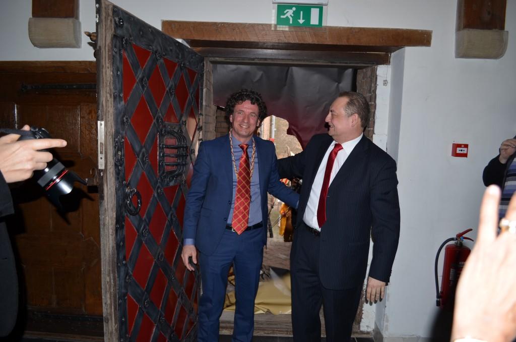 De opening door Bert boer en Irwin Toonder